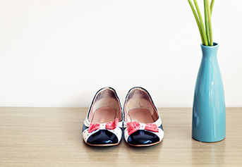 Flat shoes wanita
