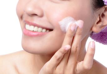 Sabun wajah wanita