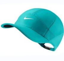 Topi Nike Feather Tosca