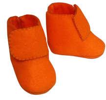 Sepatu Bayi Orange