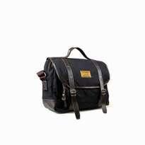 Tas Selempang Lazzardi Dimensional Black (Messenger Bag)