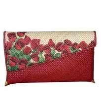 Clutch Merah Besar Bunga Mawar (tutup menyamping)