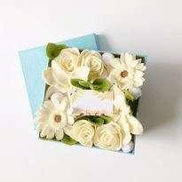 Bunga Flanel Putih Box
