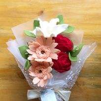 Bunga Flanel Red Wide Rose and White Lily