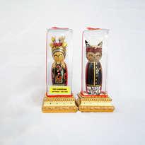 Souvenir Sepasang Penari Gandrung