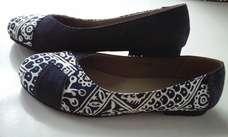 Sepatu Batik Biru Denim