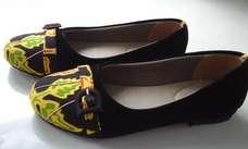 Sepatu Batik Kuning Hitam Suede